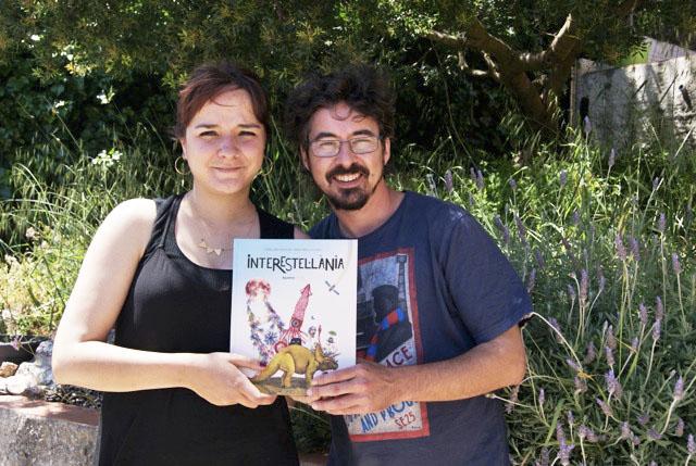 Tomeu Simó y María Padilla, escritor e ilustradora del cuento Interestelania.